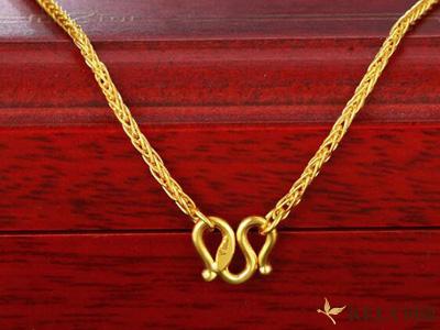 女士黄金项链