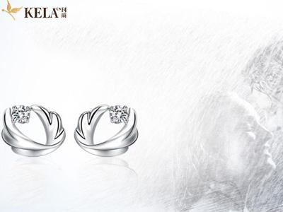 钻石耳钉用什么样的好看 挑选耳钉的注意事项