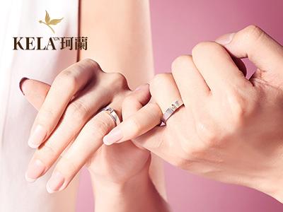不同狀態的情侶戒指戴法 情侶戒指戴哪個手上
