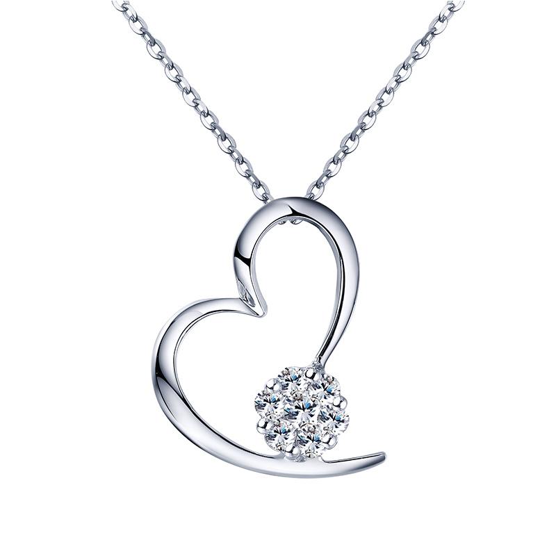 心怡中版 18K金钻石吊坠 时尚饰品 钻饰