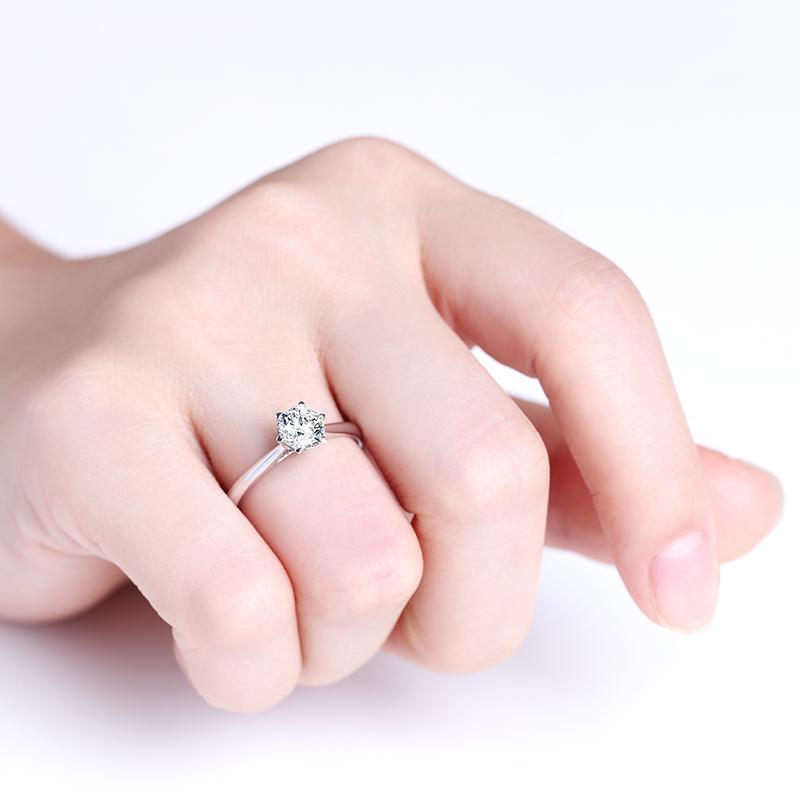 百合 18K金钻石女戒 结婚钻戒
