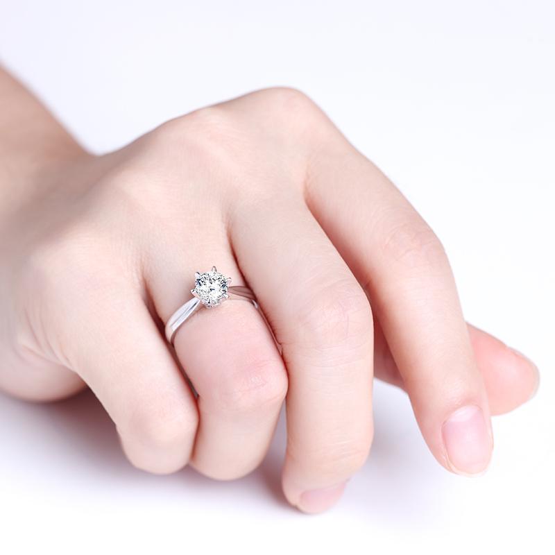 风中的女王 18K金钻石女戒 结婚钻...