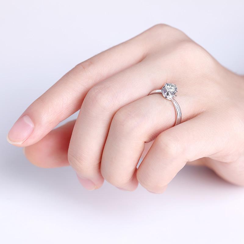 灵动 18K金钻石女戒 结婚钻戒