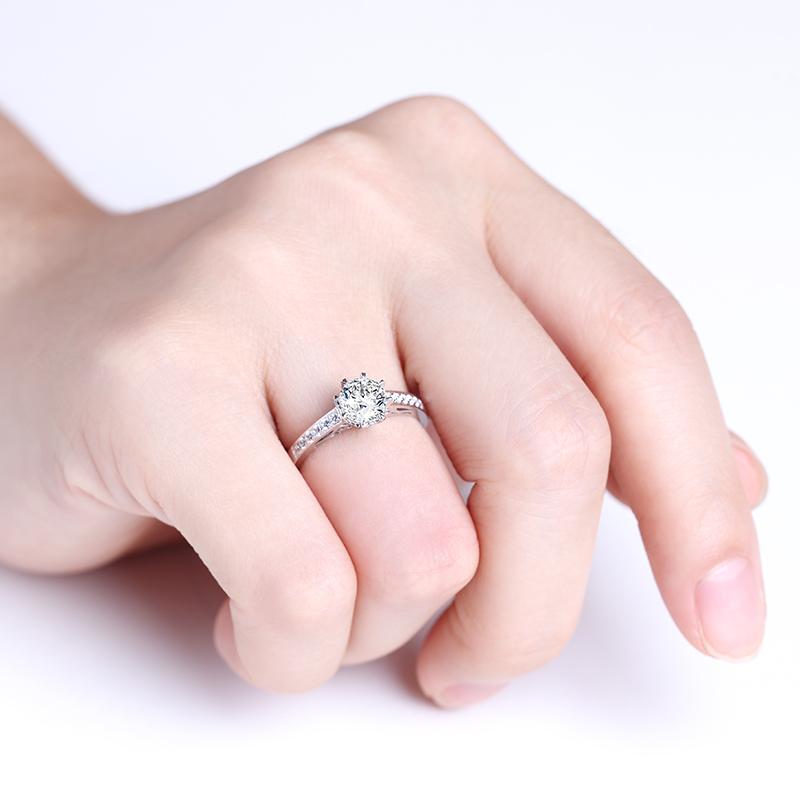 名门佳丽 18K金钻石女戒 结婚钻戒
