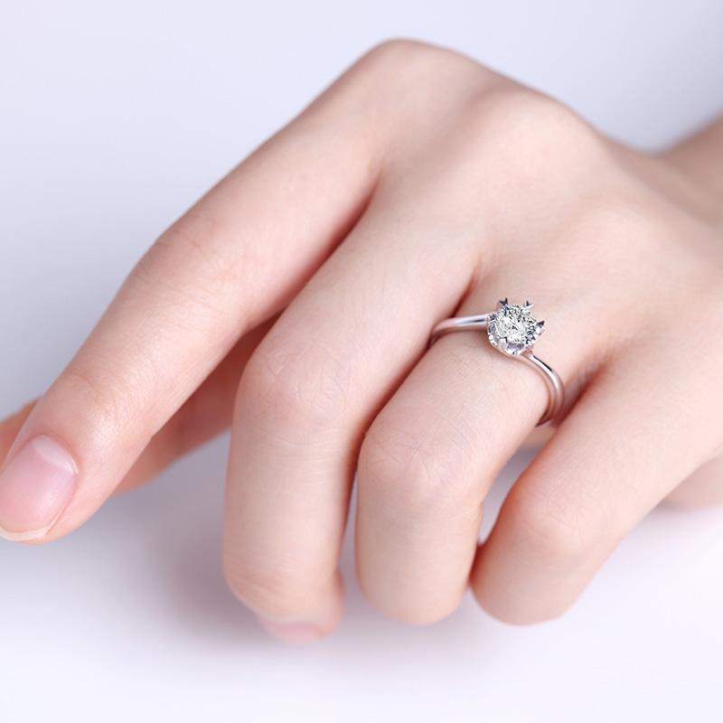 盛夏光年 18K金钻石女戒 结婚钻戒