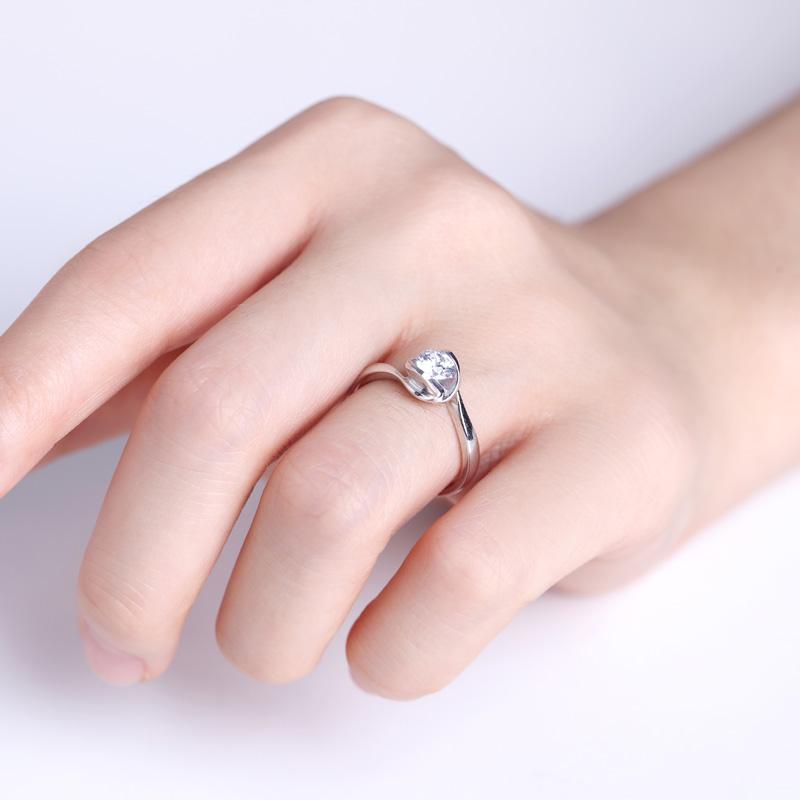一往情深 白18K金钻石女戒 结婚钻...