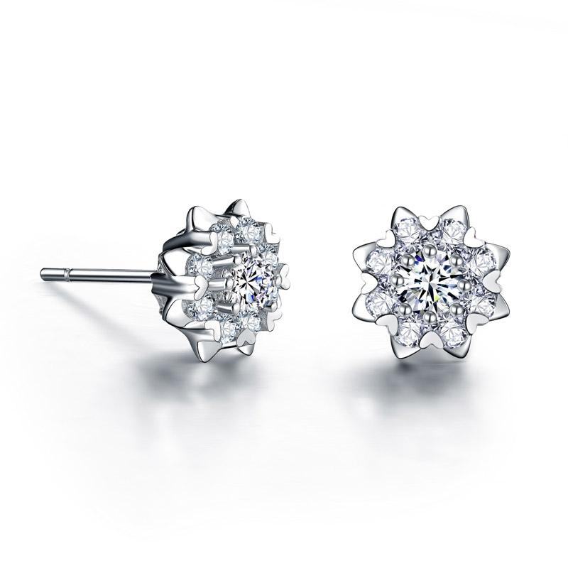 爱绽放 白18K金钻石耳钉 时尚饰品 钻饰