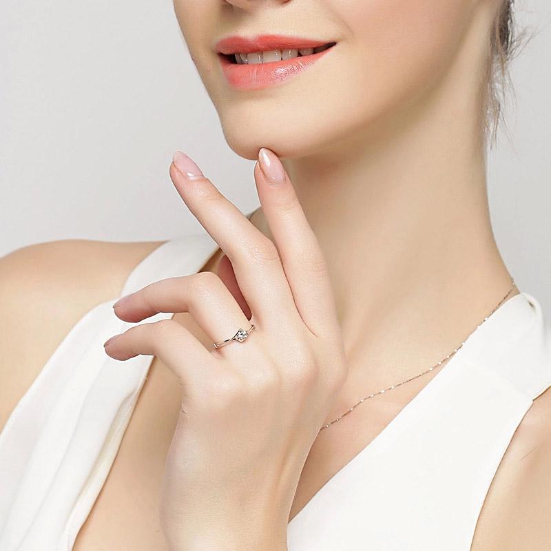 天使之吻 白18K金钻石女戒 结婚钻戒