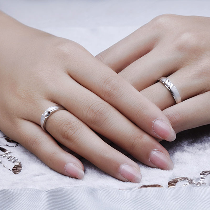 相遇爱情 白18K金钻石对戒