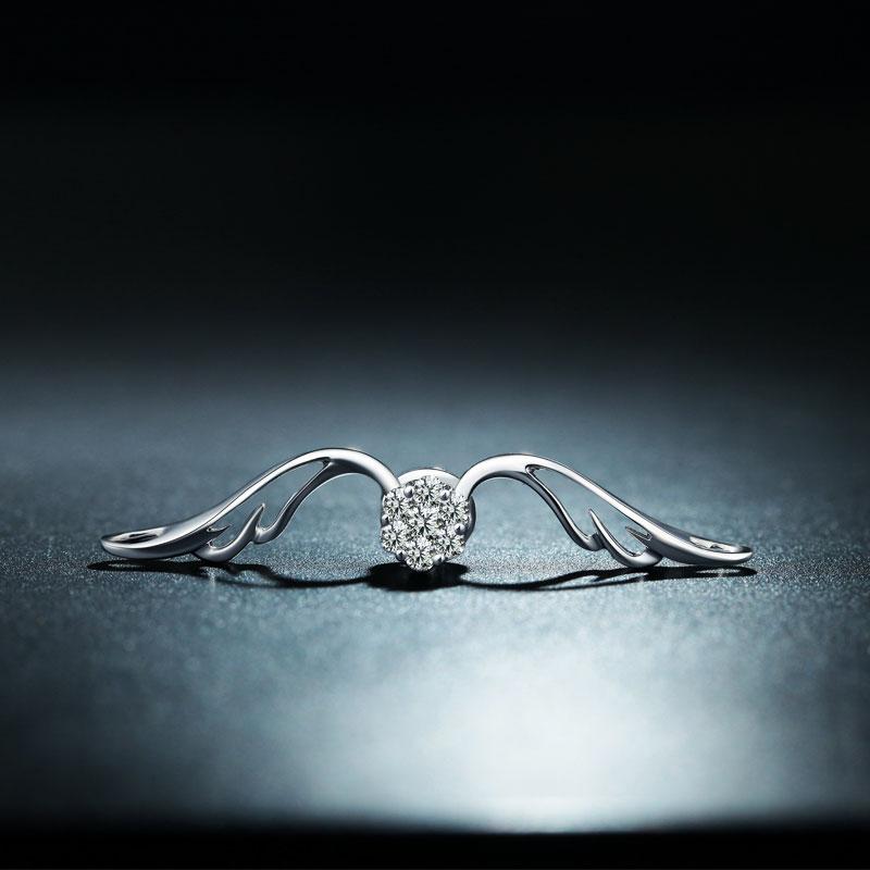 爱·守护 18K金钻石吊坠 时尚饰品...